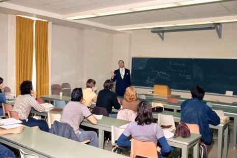 slide_064_Wirtz_classroom