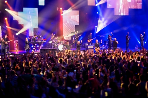 Planetshakers-BandCrowd-Melbourne-Planetshakers-Awakening-1