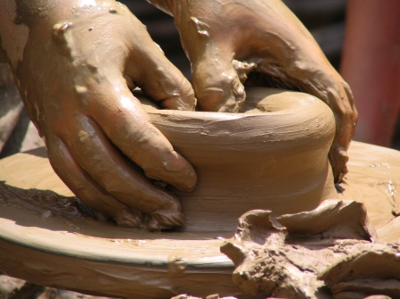 wheel-throwing-hands-on-clay1